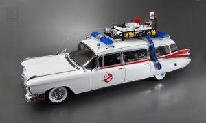 Auto a escala ECTO-1 de los Cazafantasmas Ghostbusters