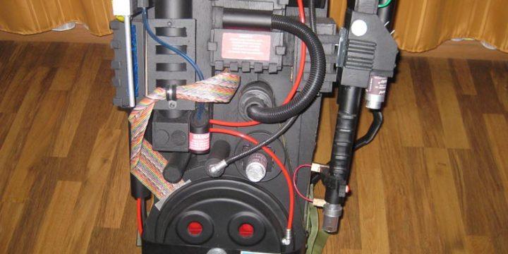 Un equipo de Protones de Ghostbusters en tamaño real