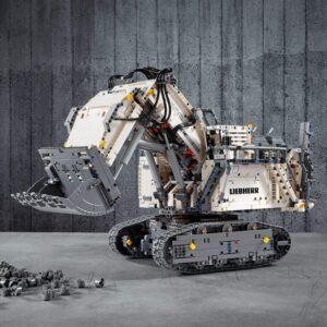 LEGO 42100