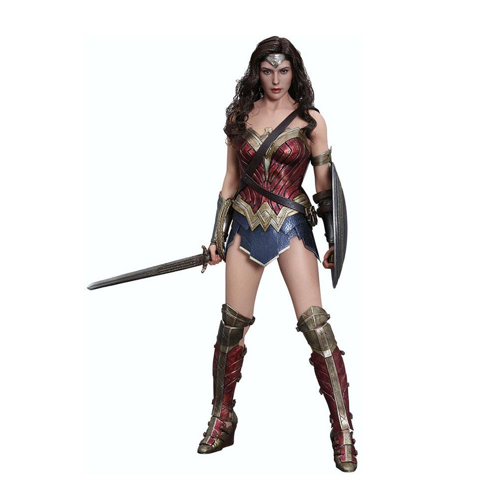 Muñeco de Wonder Woman de Hot Toys Batman v Superman